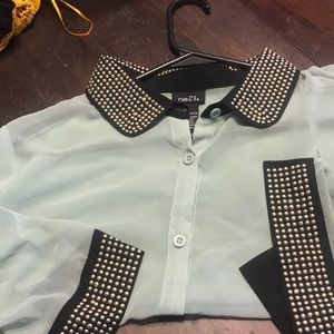 Tops - Mint, black trim and gold Large Rue 21 nice shirt